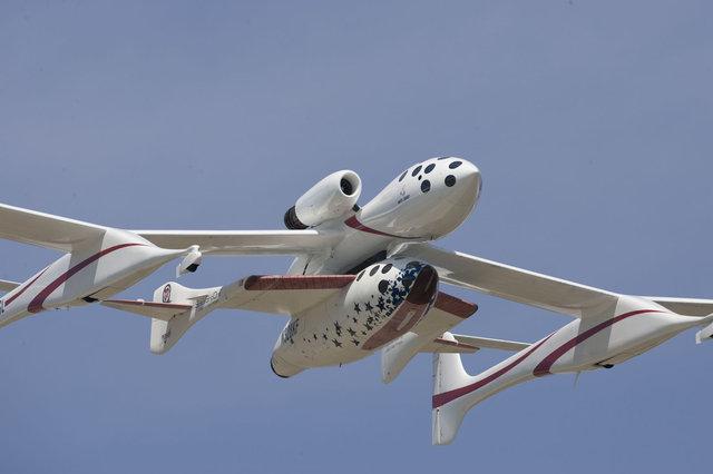 10 лет назад состоялся первый полет частного космического корабля