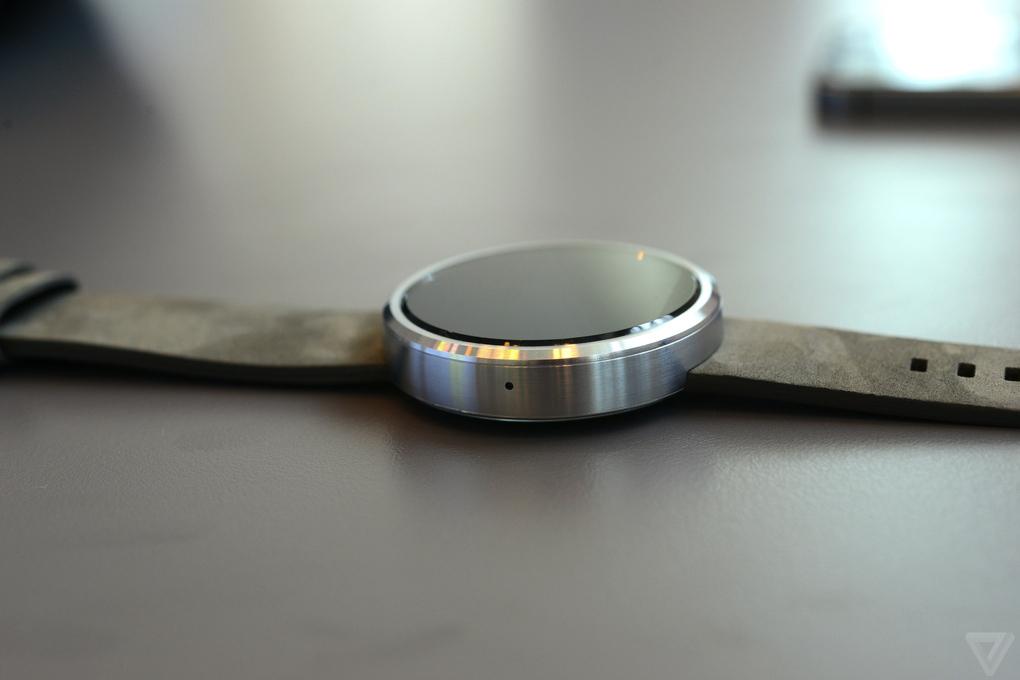 Moto 360: умные и красивые часы от Motorola
