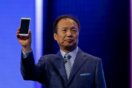 Поклонники продукции Samsung ждут выхода смартфонов Galaxy Alpha и Samsung Galaxy Note 4