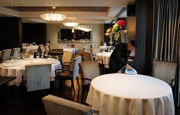 Два примера коммерческой цензуры: за негативные отзывы отель штрафует посетителей, а ресторан выигрывает в суде