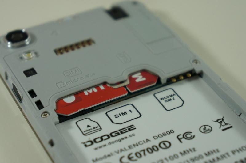 Doogee DG800 необычный смартфон с тачпадом