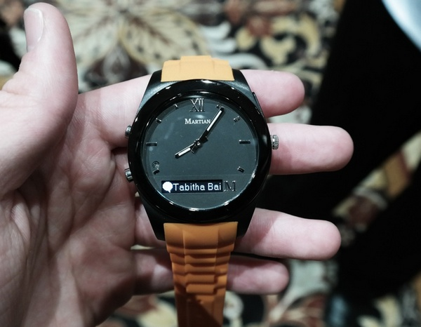 Guess Watches и Martian Watches умные часы