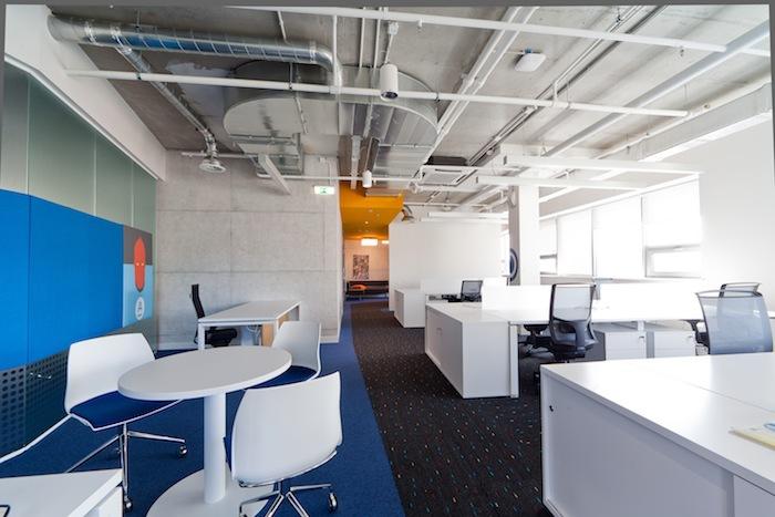 Как мы строили офис мечты с блэкджеком и пуфиками (почти за копейки)