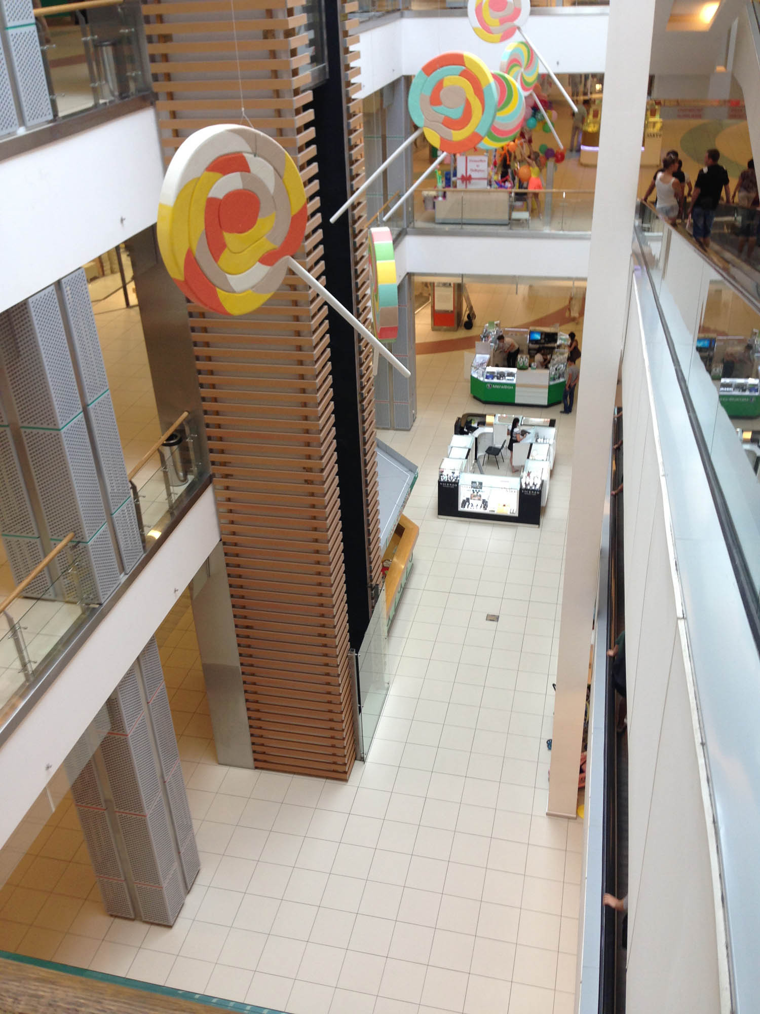 Как монтируется БС на вышке и в торговом центре