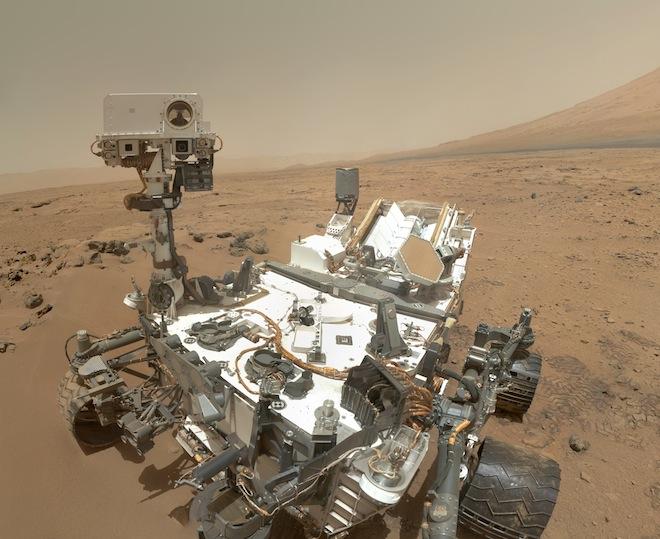Марсоход Curiosity прибыл к главной цели своей миссии — горе Шарп