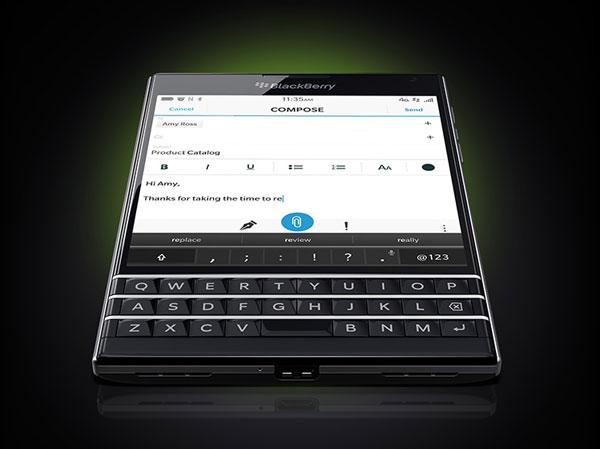 BlackBerry Passport пользуется высоким спросом у потребителей