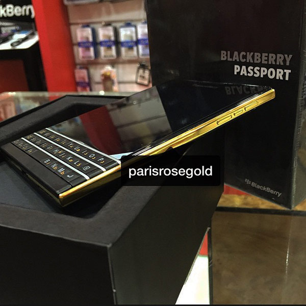 смартфон BlackBerry Passport Gold Edition
