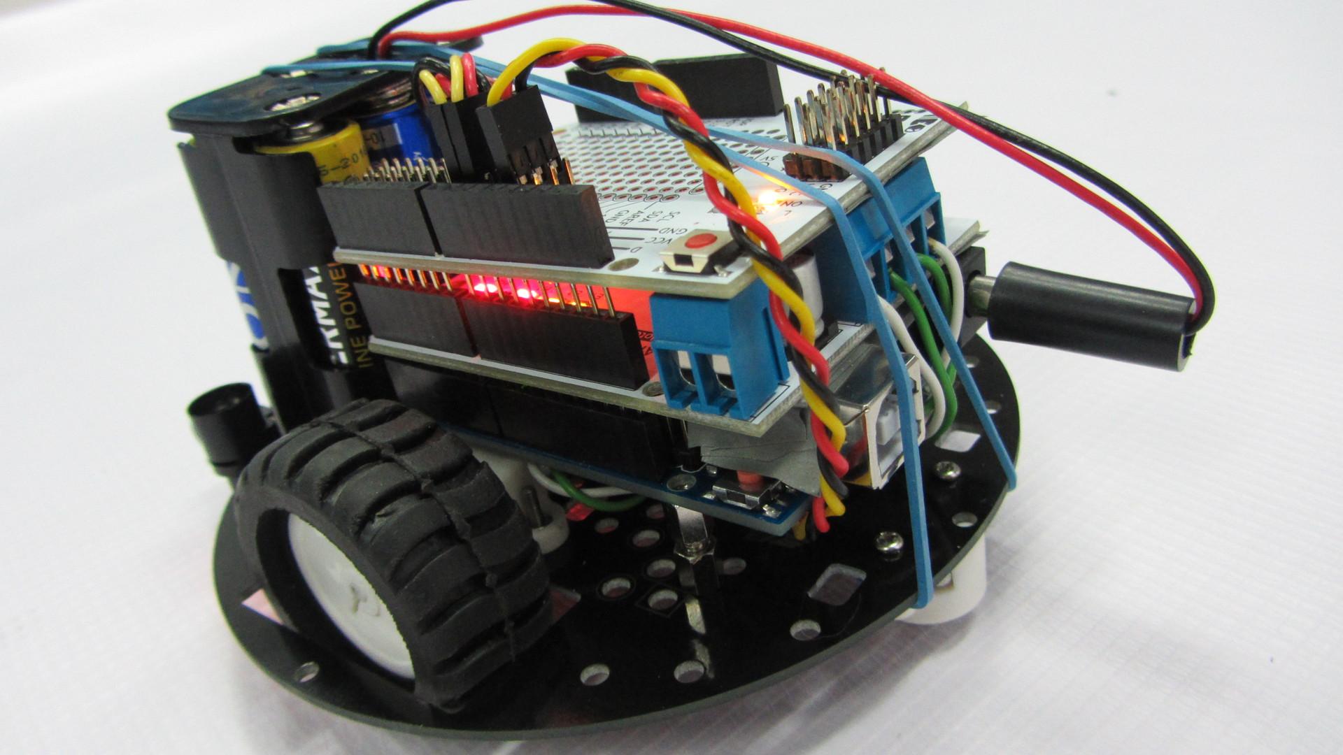 Программирование Arduino с помощью ArduBloсk на примере робота движущегося по полосе