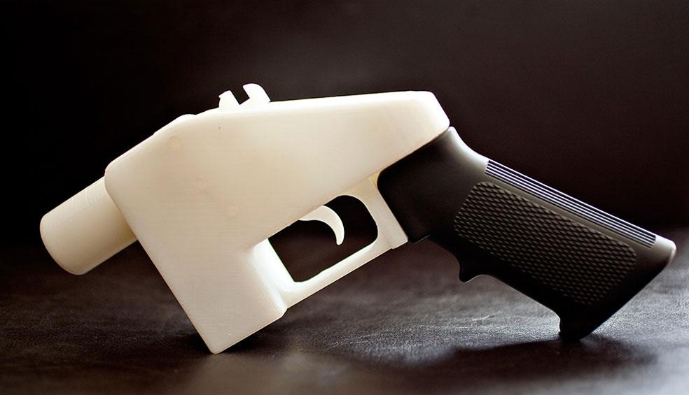 Японца посадили на 2 года за распечатку пистолета на 3D принтере