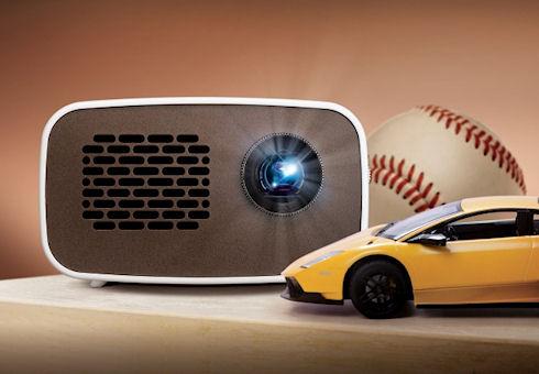 LG выпустит портативный проектор HD MiniBeam PH300