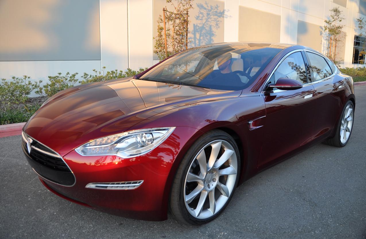 Продажи электромобилей Tesla в Мичигане все же запретили