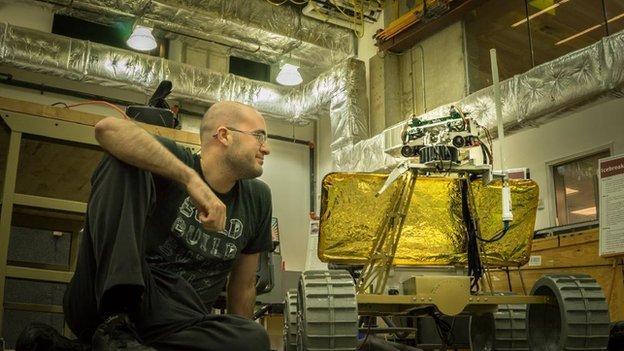 Новый робот телеприсутствия, управляемый с Oculus Rift, поможет изучить Луну