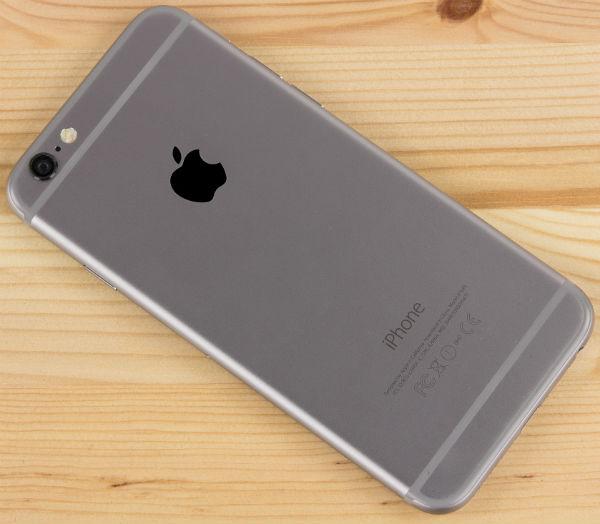 Apple приписывают намерение стимулировать выпуск смартфонов iPhone 6 Plus повышенной оплатой