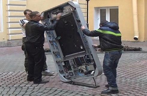 Признание Тима Кука привело к демонтированию памятника Стиву Джобсу в Санкт Петербурге