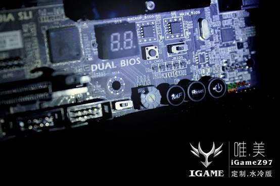 системная плата iGame Z97, оснащенная водоблоком
