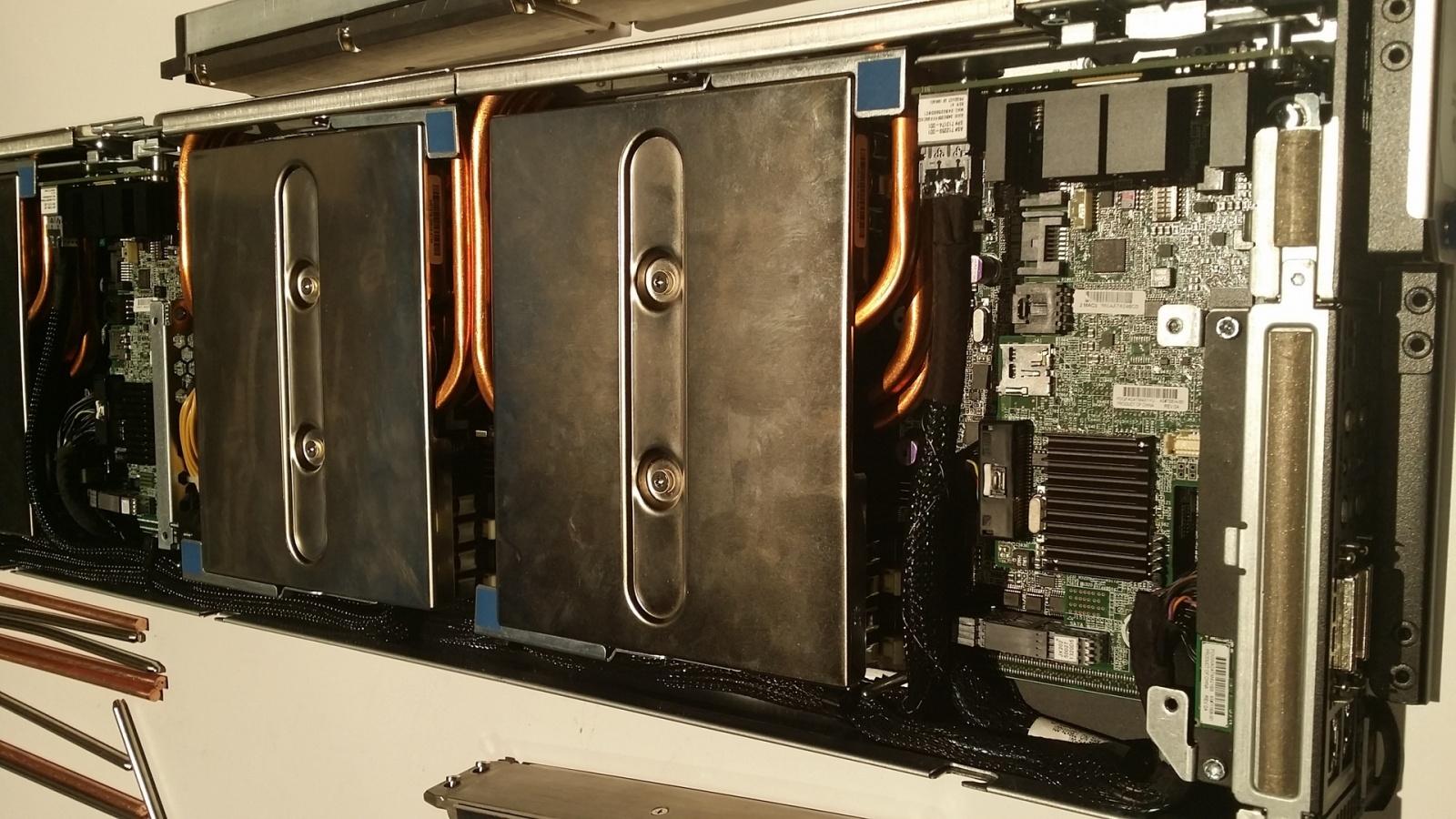 Суперкомпьютер с системой водяного охлаждения HP Apollo 8000 - 1