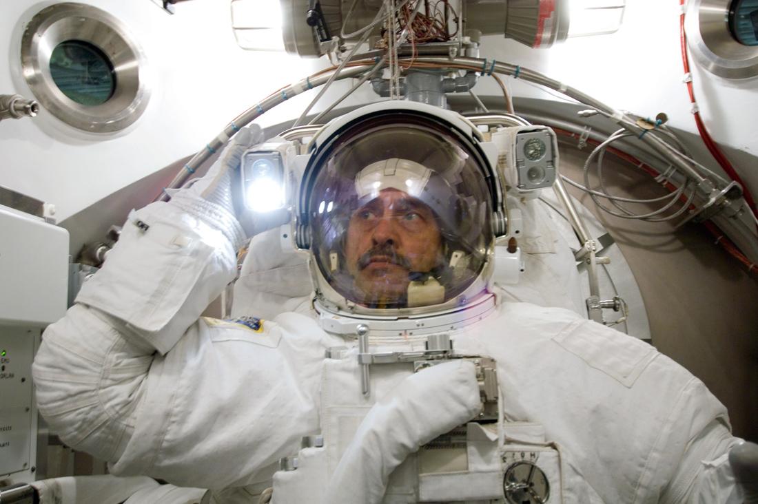 Задай вопрос одному из самых опытных космонавтов России - 1