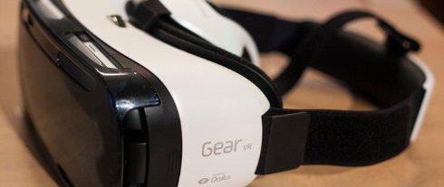 Начались продажи шлема виртуальной реальности от Samsung