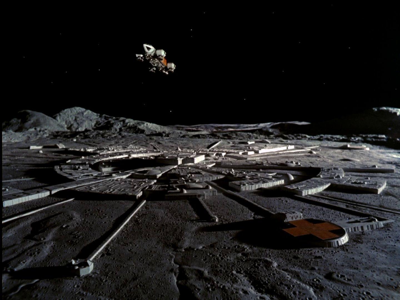 Роскосмос планирует построить лунную базу, наладить промышленность и добычу ископаемых - 1