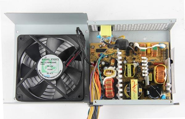 Блок питания X-Power 400 соответствует спецификации Intel ATX 12V V2.2