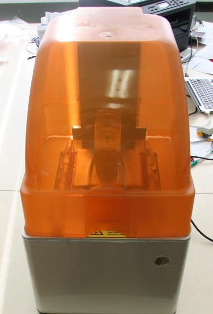 URANUS: первый работающий настольный SLA (стереолитографический) принтер - 3