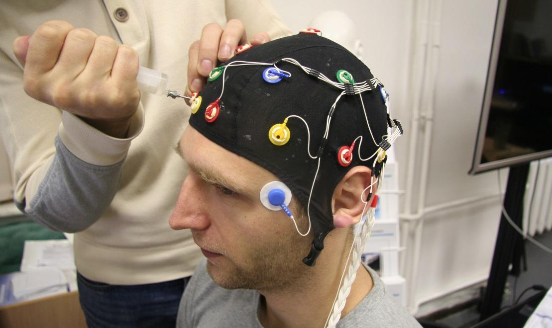 Боевые квадрокоптеры, лаборатория психофизиологии и тренировка мозга - 4