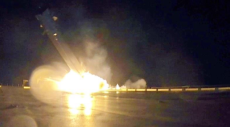 Жесткая посадка Falcon-9R (точнее сказать в хлам) - 3