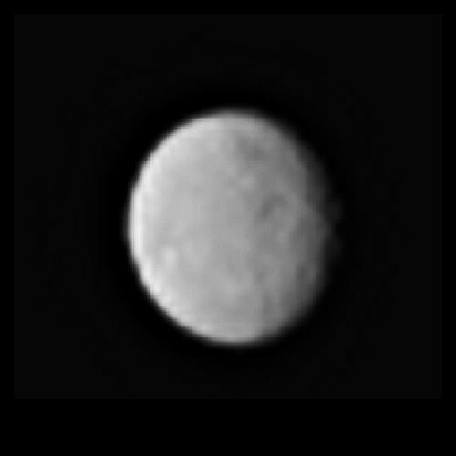 Межпланетный зонд Dawn прислал новые фотографии карликовой планеты Цереры - 1