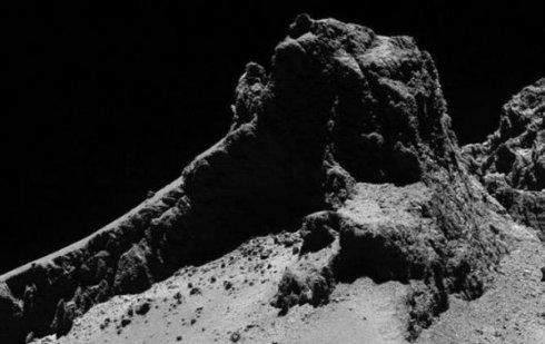 Ученые обнаружили горы на комете