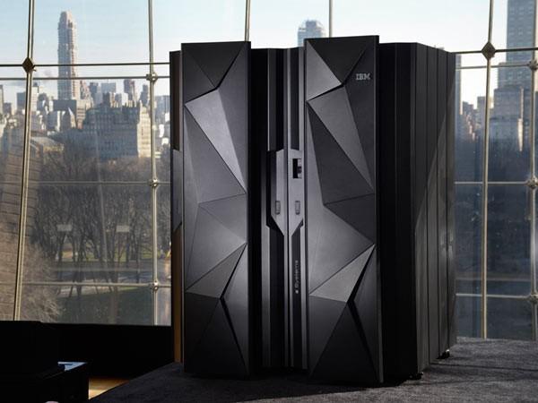 IBM представила новый мейнфрейм z13 - 1
