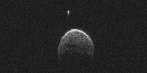 Опубликовано видео астероида, который приблизился к Земле (ВИДЕО)