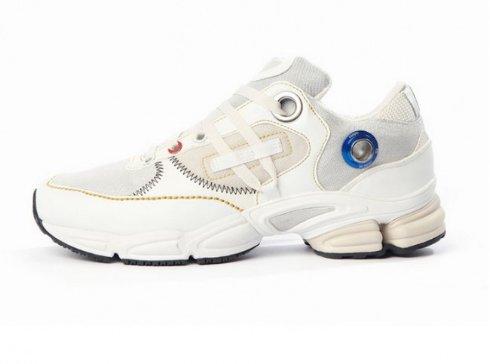 Adidas разработал «космические» кроссовки
