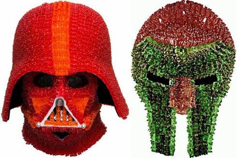 Из мармеладных мишек создали шлем Дарта Вейдера (ФОТО)