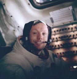 Найдены артефакты с миссии Apollo 11 - 1