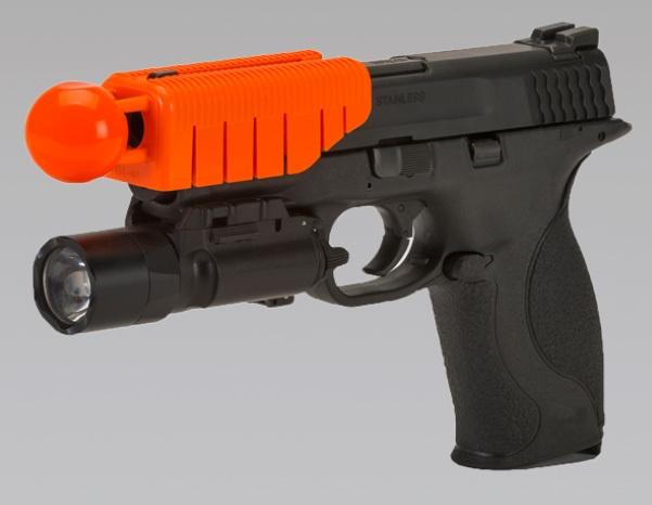 Насадка на пистолет делает его нелетальным оружием - 1
