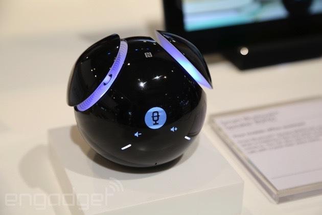 Sony представила динамик, который умеет перемещаться по комнате - 1