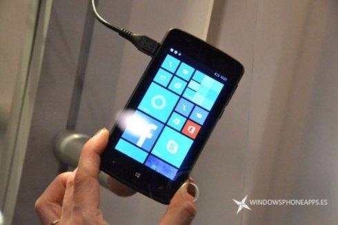 Polaroid представила бюджетные Windows смартфоны