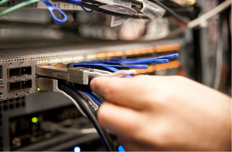 Как облегчить клиентам хостинга создание частных сетей и виртуальных серверов: Опыт проекта 1cloud - 1