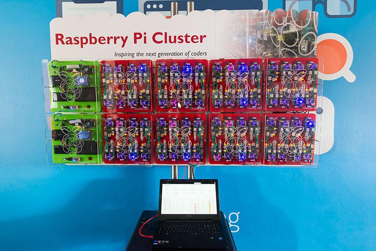 Центр правительственной связи Великобритании построил кластер из 66 Raspberry Pi - 1