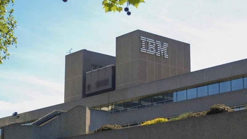 Продажи IBM упали на 12 процентов - 1