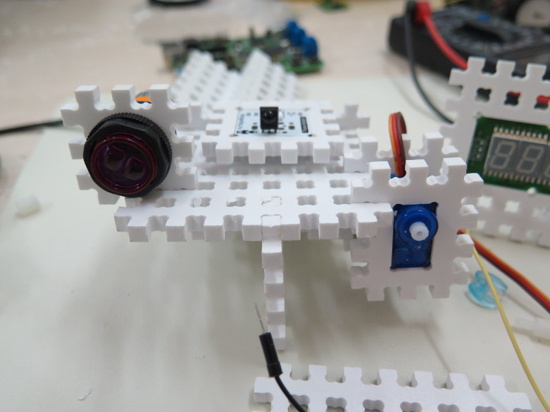 Как мы придумывали конструктор для детской робототехники. #1 - 7