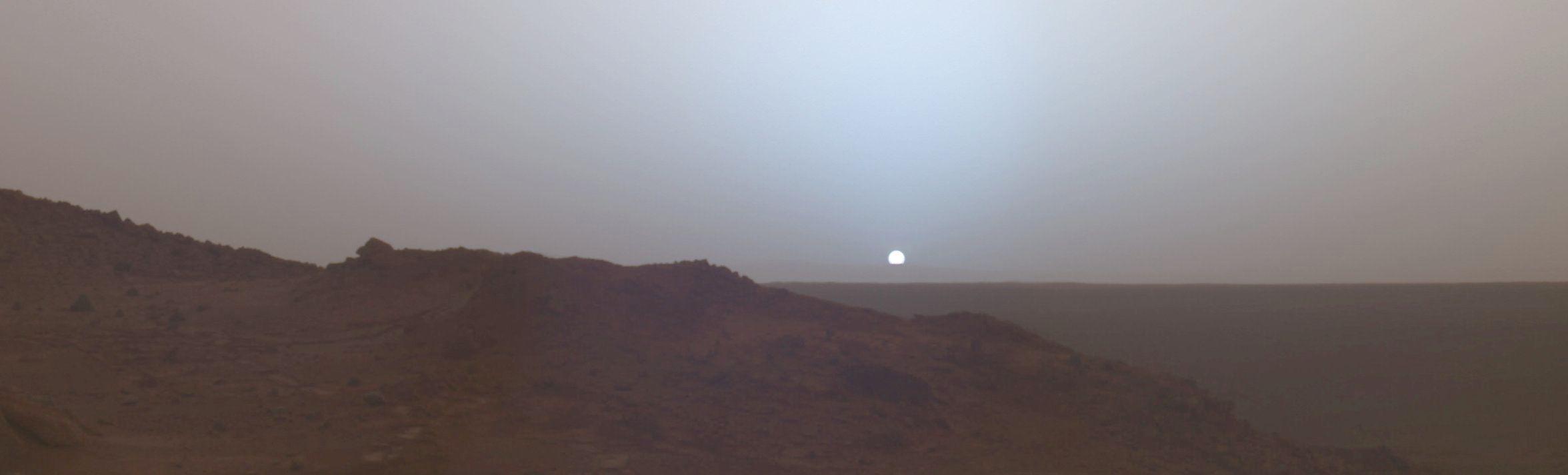 Curiosity снял закат на Марсе - 1