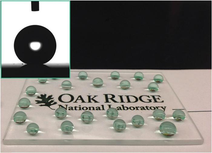 Изобретено водоотталкивающее (супергидрофобное) стекло - 1