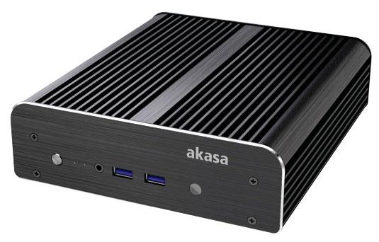 Корпус Akasa Newton S комплектуется двумя вариантами задних панелей