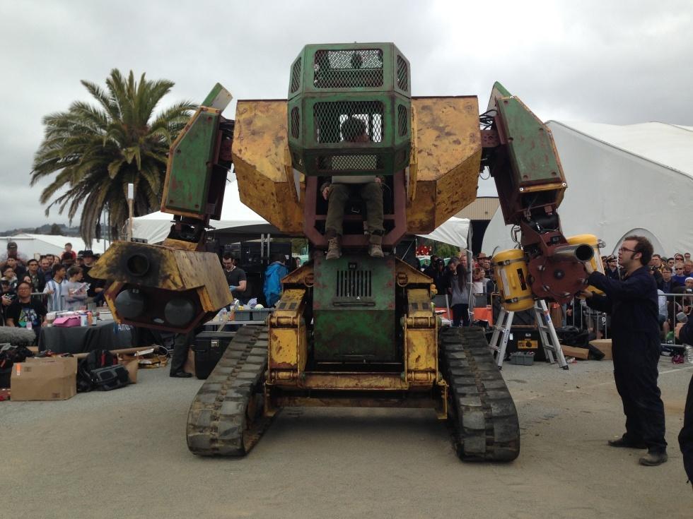 Maker Faire-2015: гигантские стреляющие роботы и другие интересные экспонаты - 1