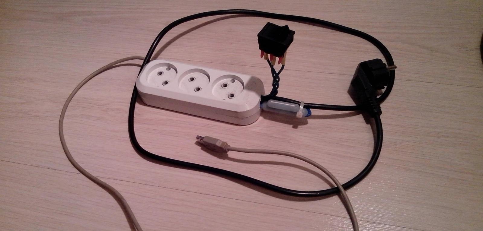 Розетка с питанием, управляемым по USB, за десять копеек - 1