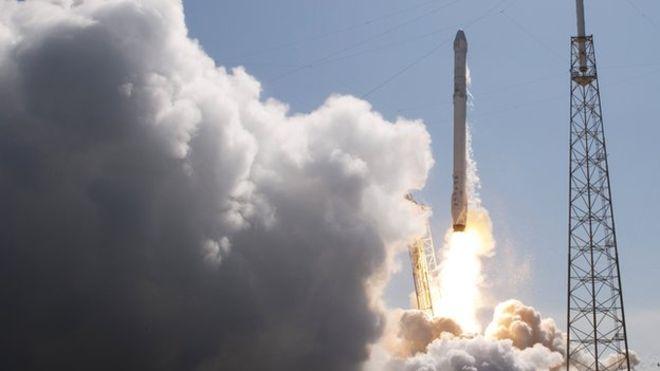 SpaceX теперь будет работать и с военными грузами США - 1