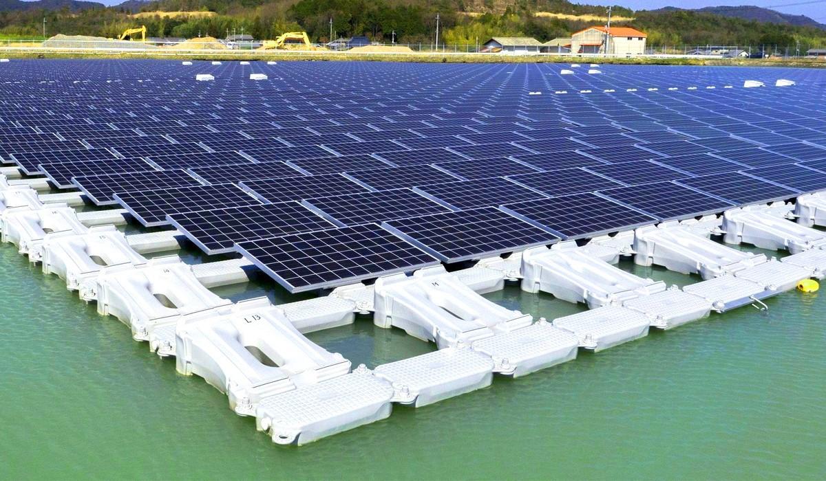 Японцы завершили строительство крупнейшей в мире плавучей солнечной электростанции - 1