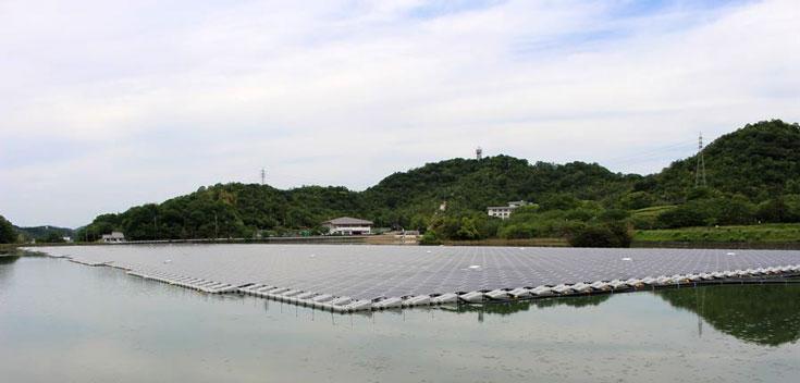Мощность электростанции примерно равна 2,3 МВт