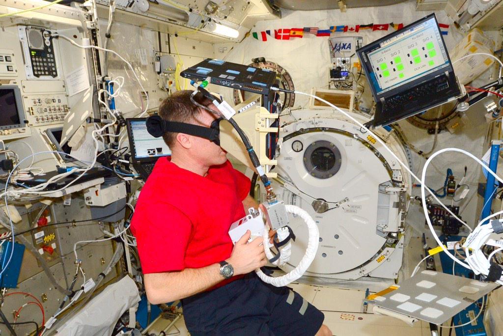 Как в НАСА виртуальная реальность помогает не уплыть в открытый космос - 4